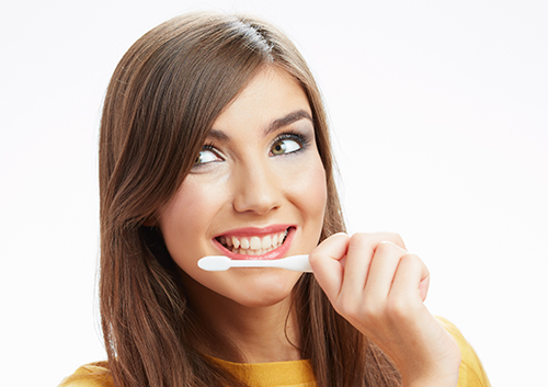 wpid-caring-for-your-smile-while-wearing-invisalign_43508340.jpg