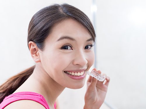 Our blog tampa fl farina orthodontics once you get your braces off you want to make sure your smile remains straight this is where retainers come in solutioingenieria Image collections