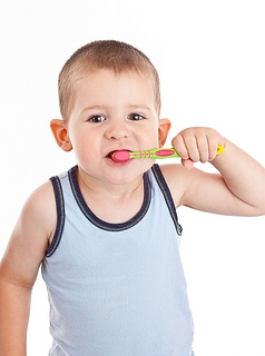 How to Brush a Two-Year-Old's Teeth Effectively