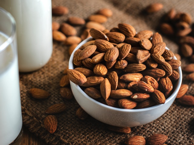 almonds teeth health